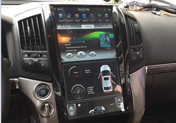 نصب مانیتور خودرو تویوتا لندکروز ۸ سیلندر ۲۰۰۸ - مدل تسلا